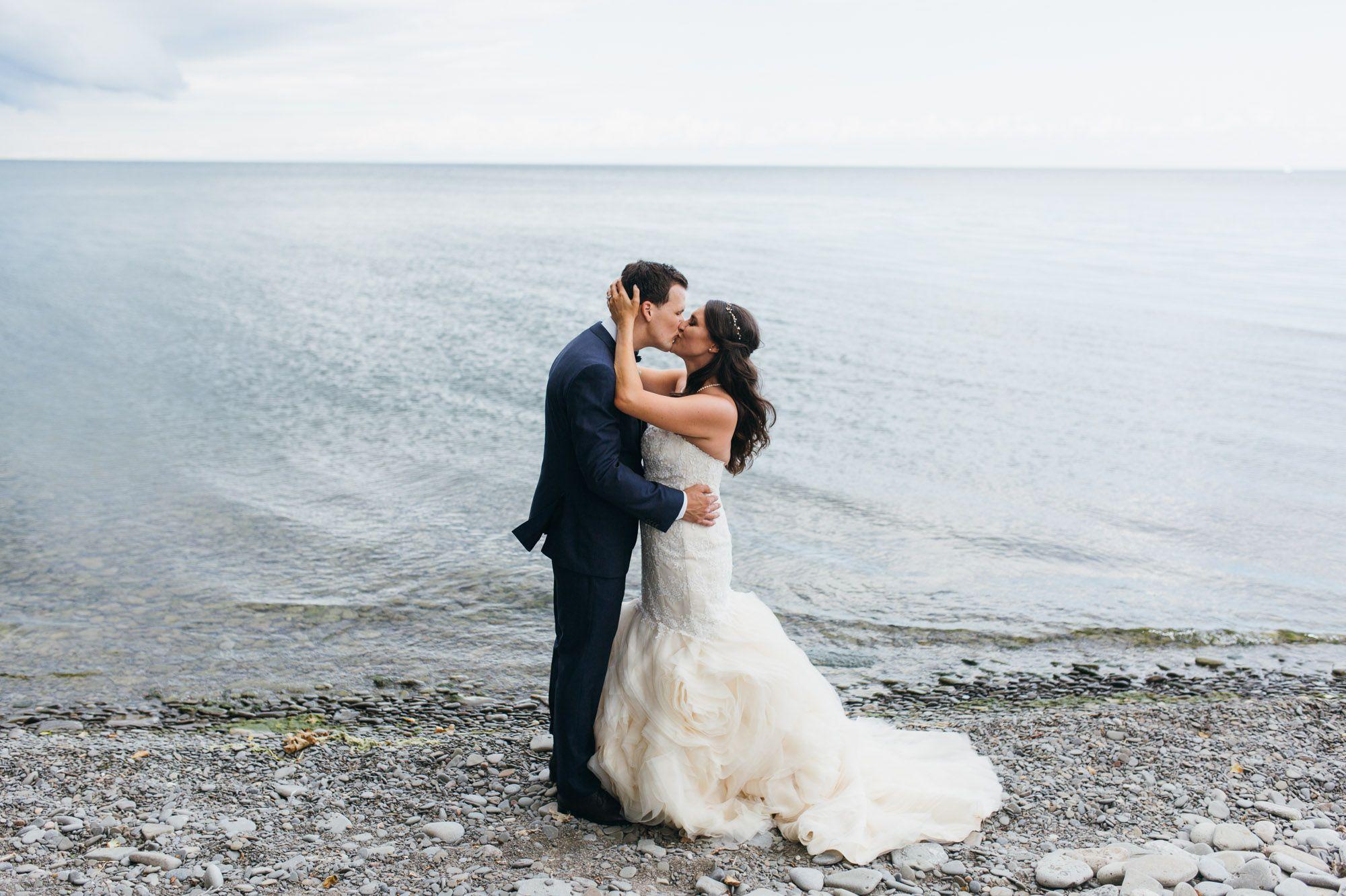 bride and groom Lake Ontario wedding, Harding Waterfront Estate ...