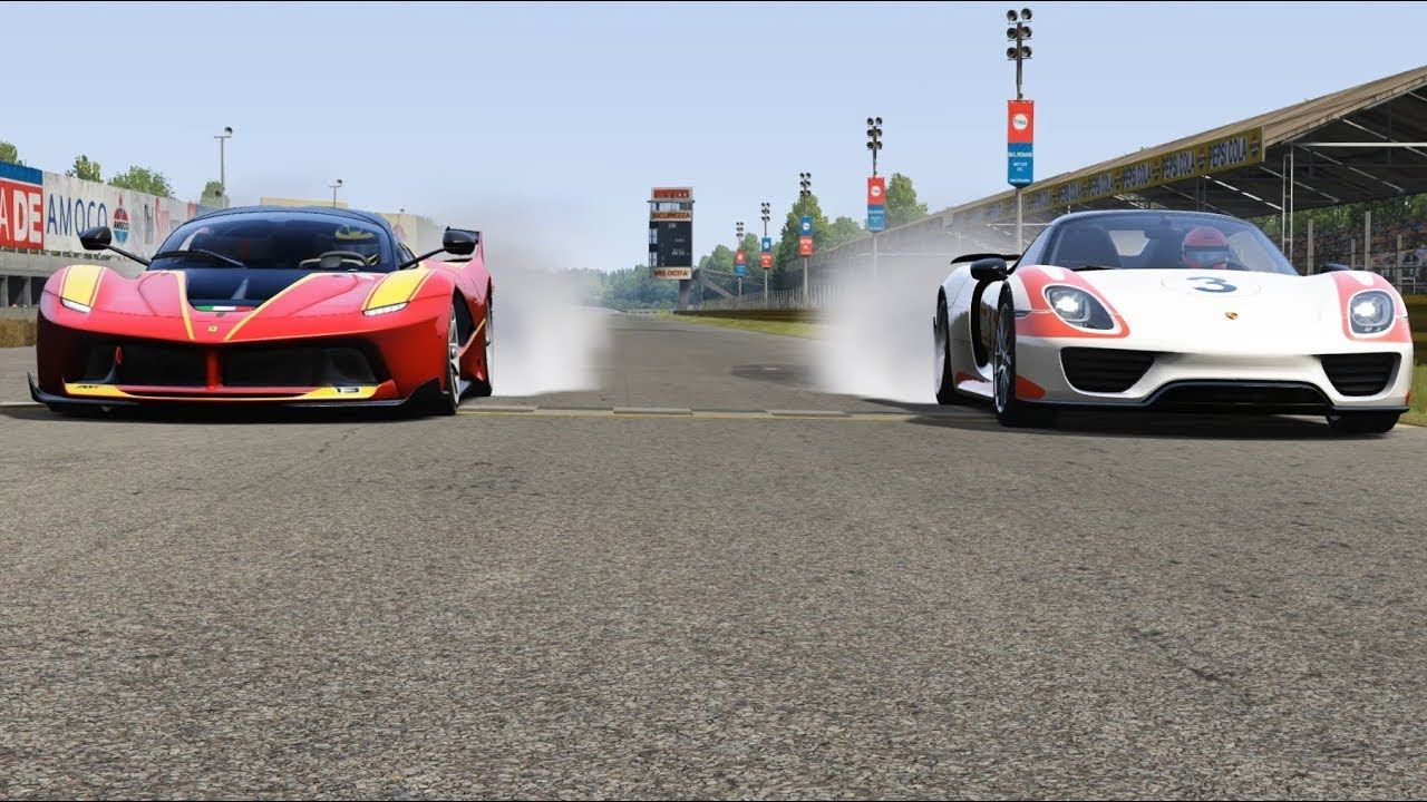 Ferrari FXX-K vs Porsche 918 Spyder at Monza #ferrarifxx