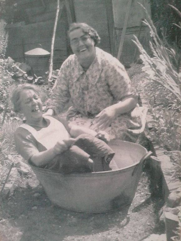 Happy Days...in The Old Galvanized Bathtub 1930u0027s. Never Too Old To