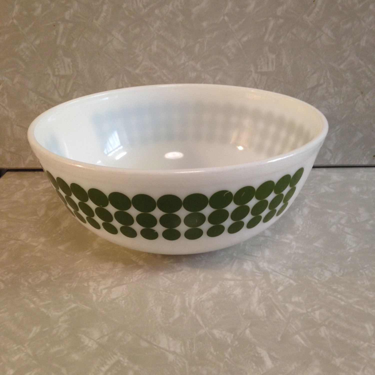Pyrex New Dots Mixing Bowl #404 Green Large 4 Qt 10 1/2\