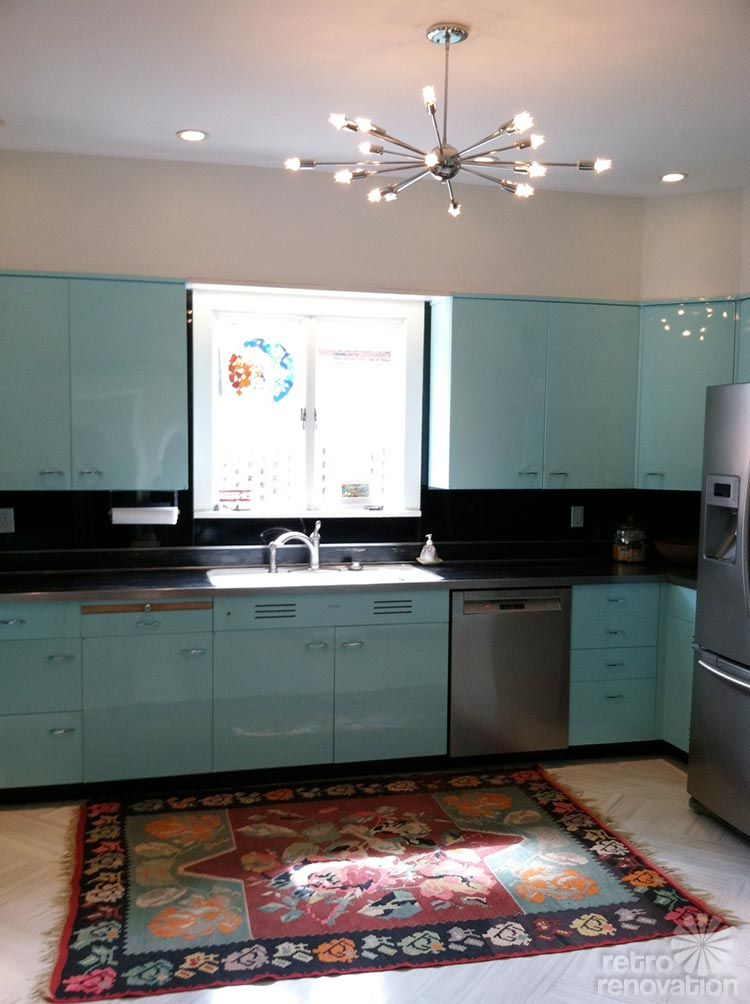Robert And Caroline S Mid Century Home With Dreamy St Charles Kitchen Cabinets Mid Century Modern Kitchen Design Mid Century Modern Kitchen Modern Kitchen Design