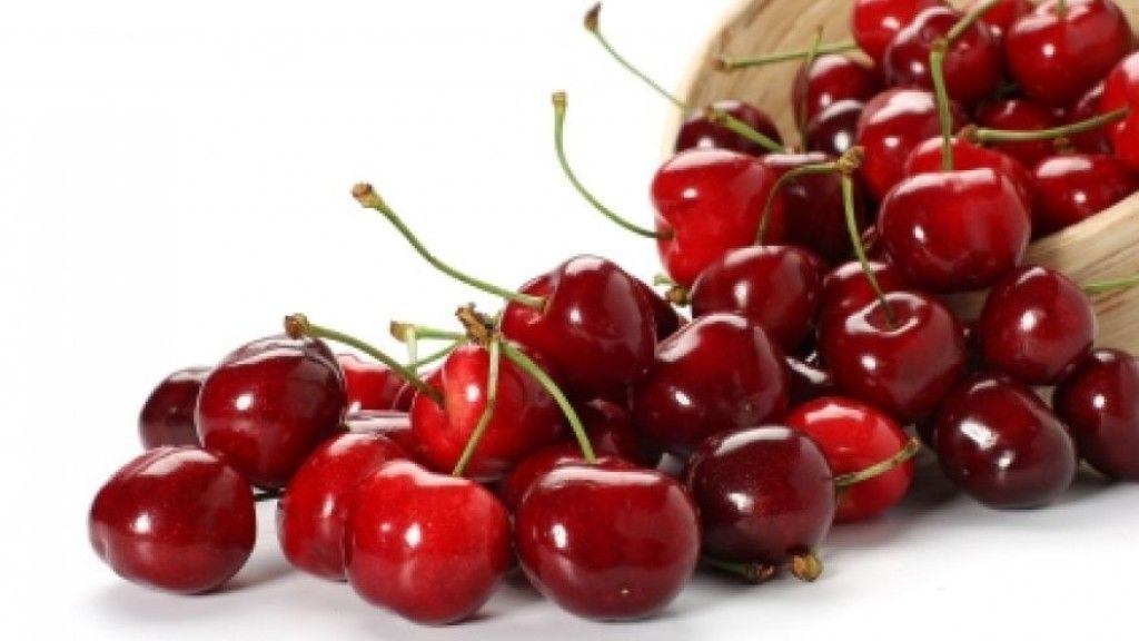 A medical doctor says that cherries are better at reducing pain and inflammation than aspirin. This means that it also prevents inflammation-induced diseases like arthritis, heart disease, diabetes, Alzheimer's disease and more.
