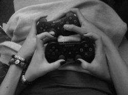 Gaming couples play together