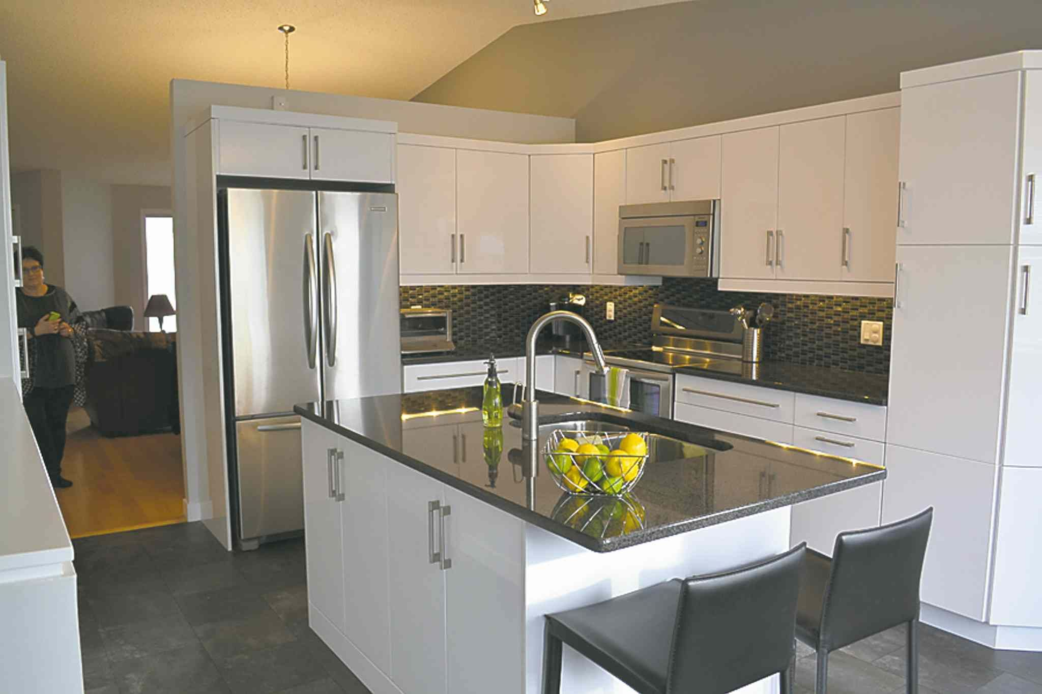 High gloss thermofoil cabinets google search kitchens for Thermofoil cabinets