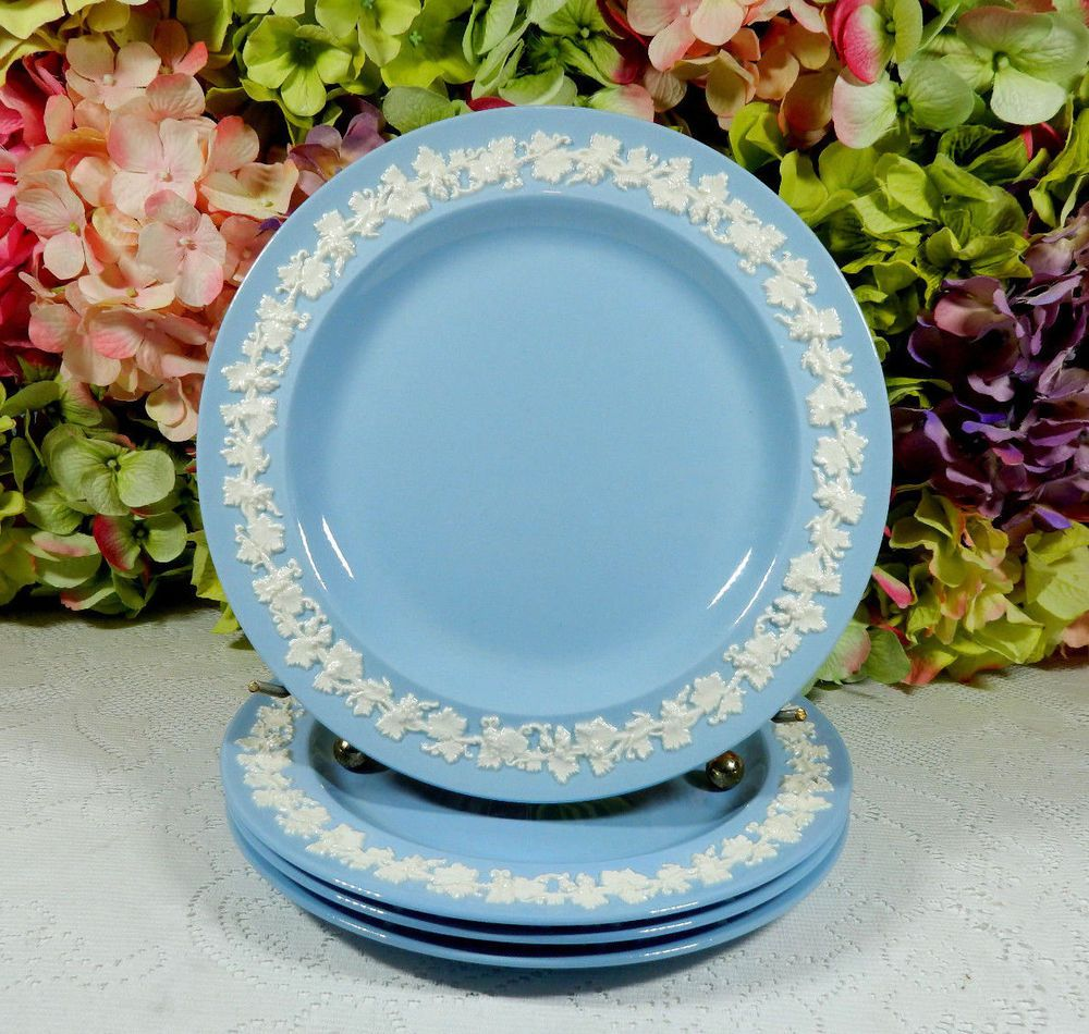 4 Vintage Wedgwood Porcelain Cream on Lavender Queens Ware Plain Salad Plates & 4 Vintage Wedgwood Porcelain Cream on Lavender Queens Ware Plain ...
