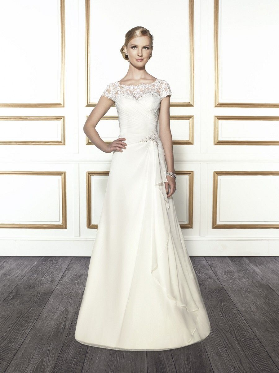 Style t wedding dress bridal gowns and lace applique
