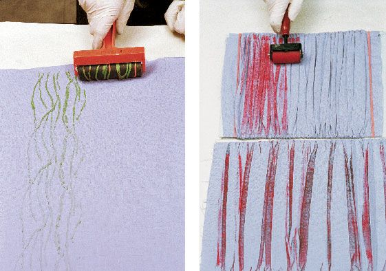 Texture the brayer/texture the fabric