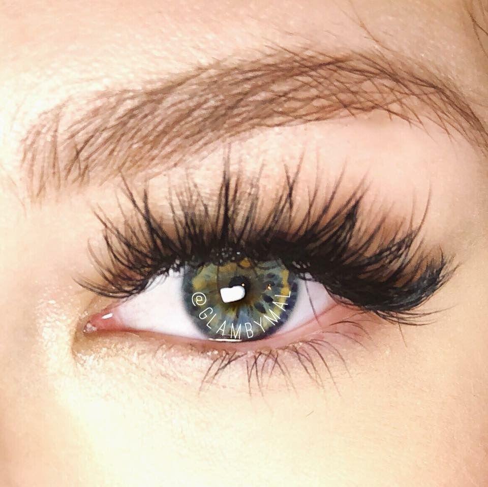 dfe5cf05b39 Bambi meets Kim K! Dramatic mega volume eyelash extensions Instagram  @glambyMal #EyeLashesTips
