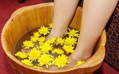 Kết quả hình ảnh cho chậu gỗ ngâm chân