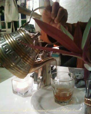 Yemeni tea at Kargeen Restaurant, Madinat Sultan Qaboos