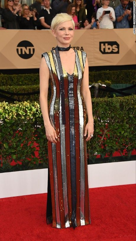 #MichelleWilliams in #LouisVuitton - SAG Awards 2017