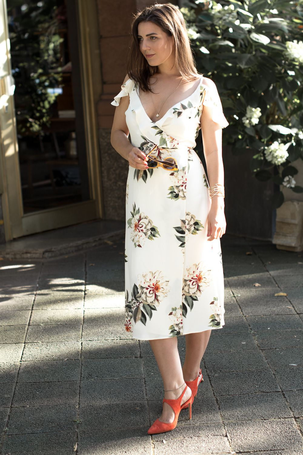 Cosmofashiontan Fashion Blog By Ruth Garthe White Floral Dress
