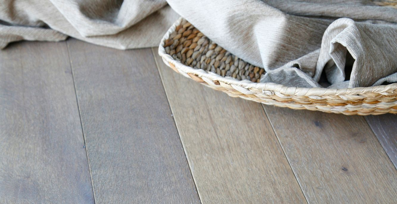 Colours Rondo Dove Grey Solid Oak Flooring 1.12 m² Pack