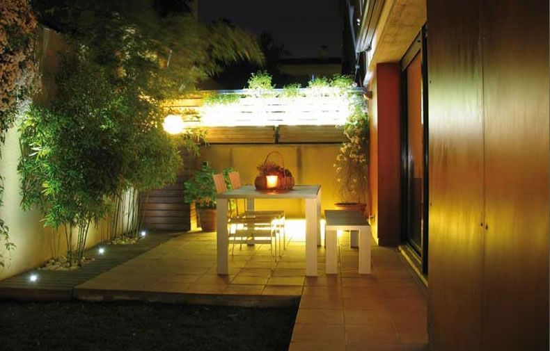 pin de daniel bieber en jardin 1 pinterest iluminaci n On iluminacion patios pequenos