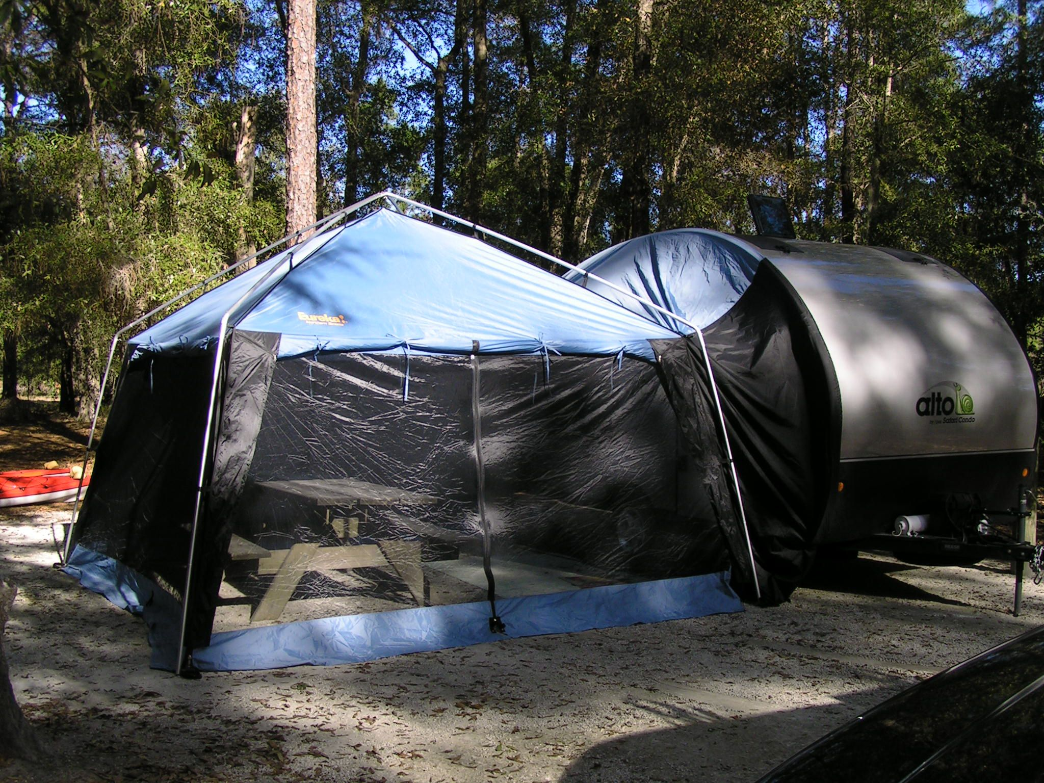 Tente cuisine sur screen shelter on alto safari condo for Tente cuisine camping