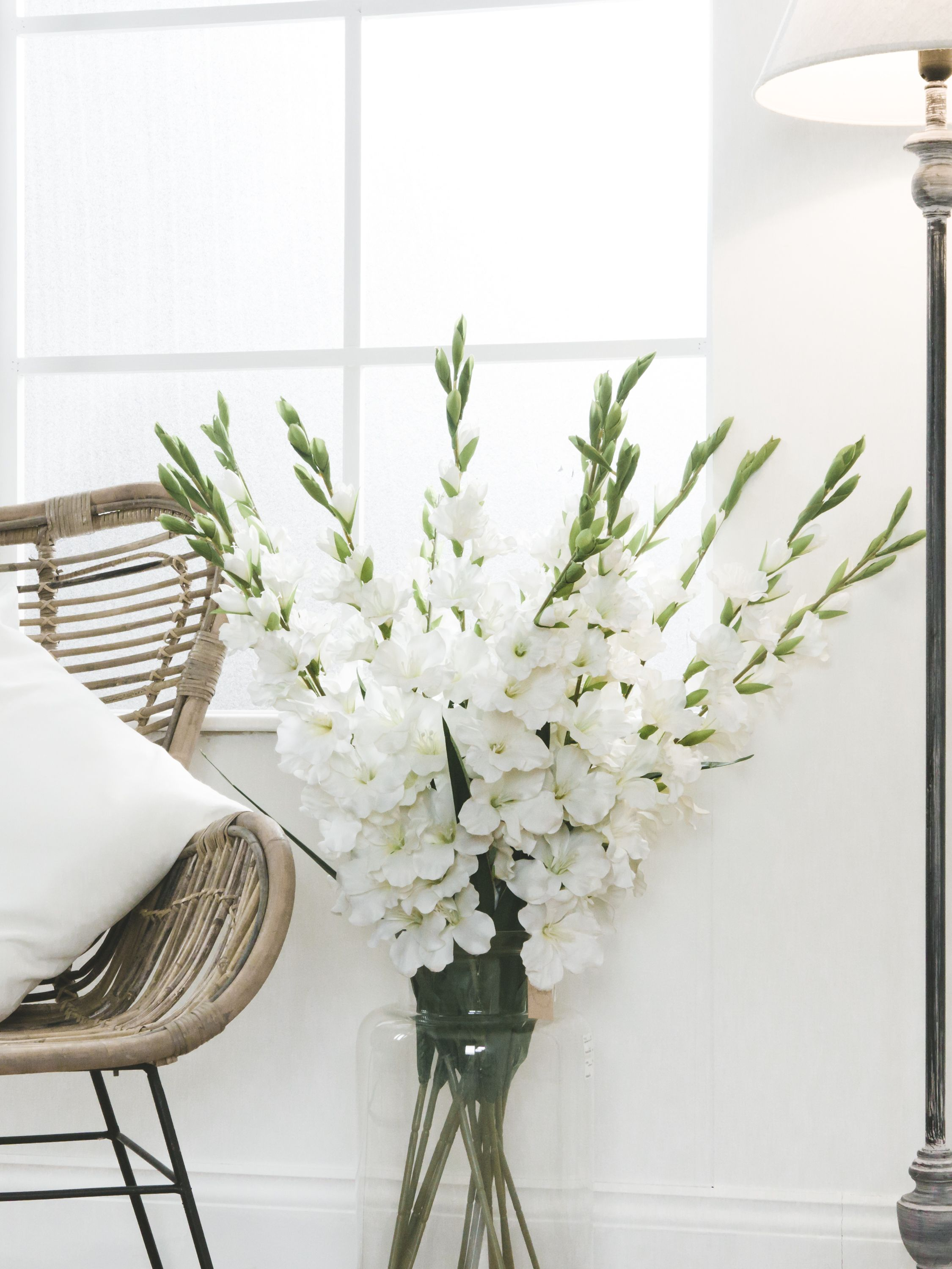 Rustic Whites Artificial Flowers Flowers Uk Gladiolus