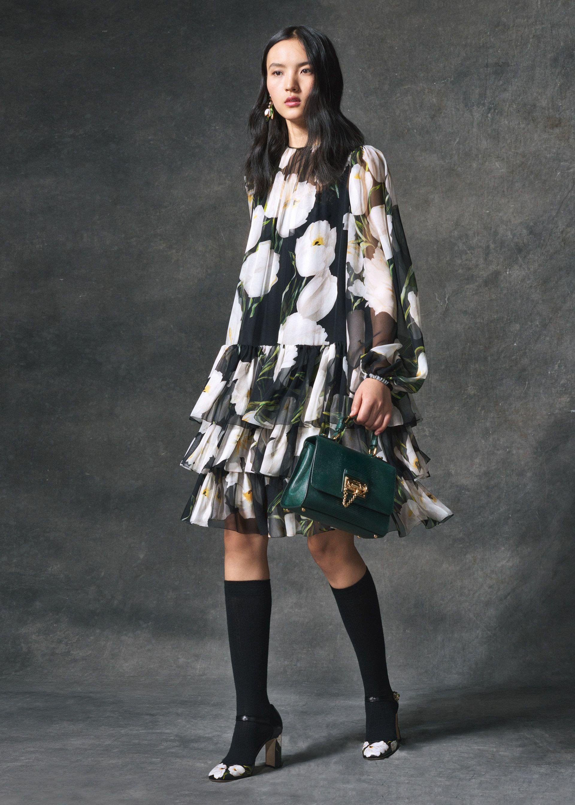d5fe8c96cfc9 Scopri Dolce   Gabbana Collezione Donna Autunno Inverno 2016 2017 Tulipani  e lasciati ispirare.