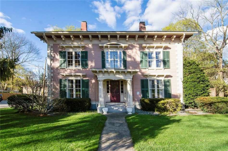 1851 Italianate North Smithfield Ri 389 900 Old House Dreams Old House Dreams Fenced In Yard House Exterior