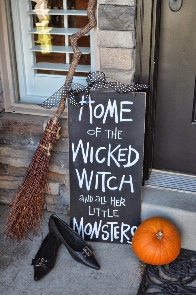 30 besten Halloween Porch Dekorationen Ideen #halloweendecorationsoutdoor