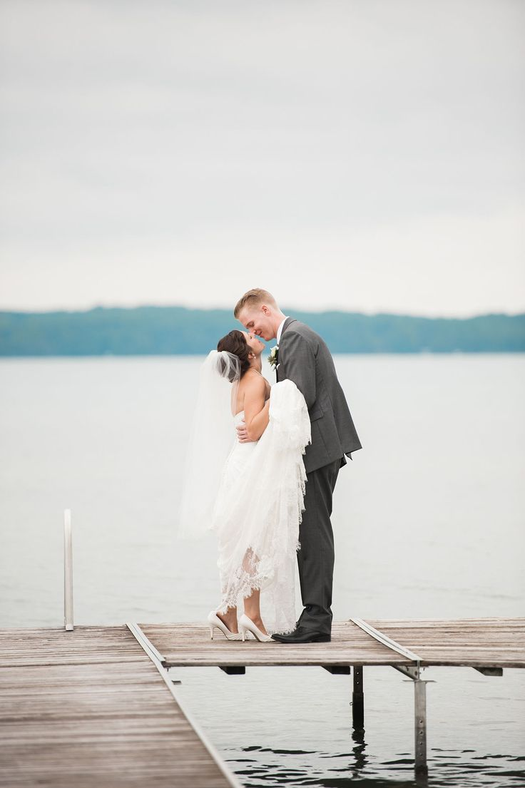 A Barn Wedding Near Traverse City, Michigan (With images ...