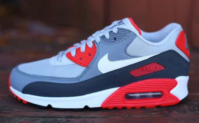 nike air max 2013 gray red background