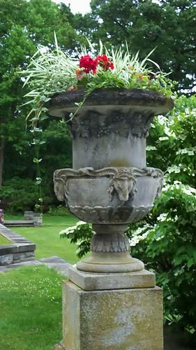 garden-urn.png | Garden art/scuptures/urns | Pinterest | Garden art ...