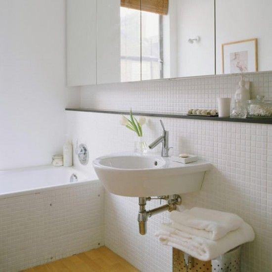 Wei geflieste badezimmer wohnideen badezimmer living for Geflieste badezimmer