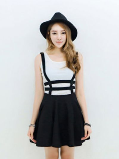 Korean preppy style Hollow out A line Suspender skirt