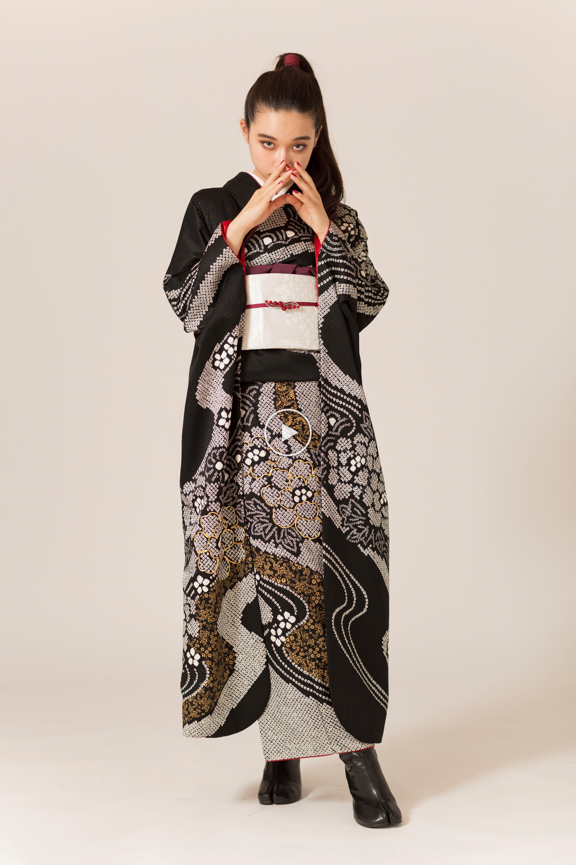 全て1点もの。自分だけの着こなしでつくる特別な日のビンテージな装い。 #振袖 #ファッション #前撮り #着物 #和装 #fashionphoto #blackcode #kimono