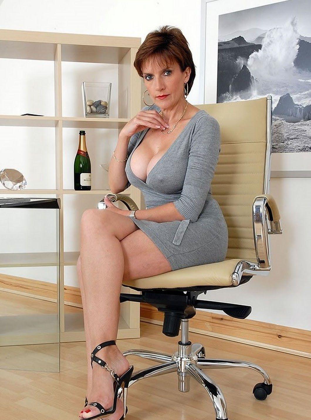 Gill Ellis Young - P R Deltoid - Google  Sexy Older -3323