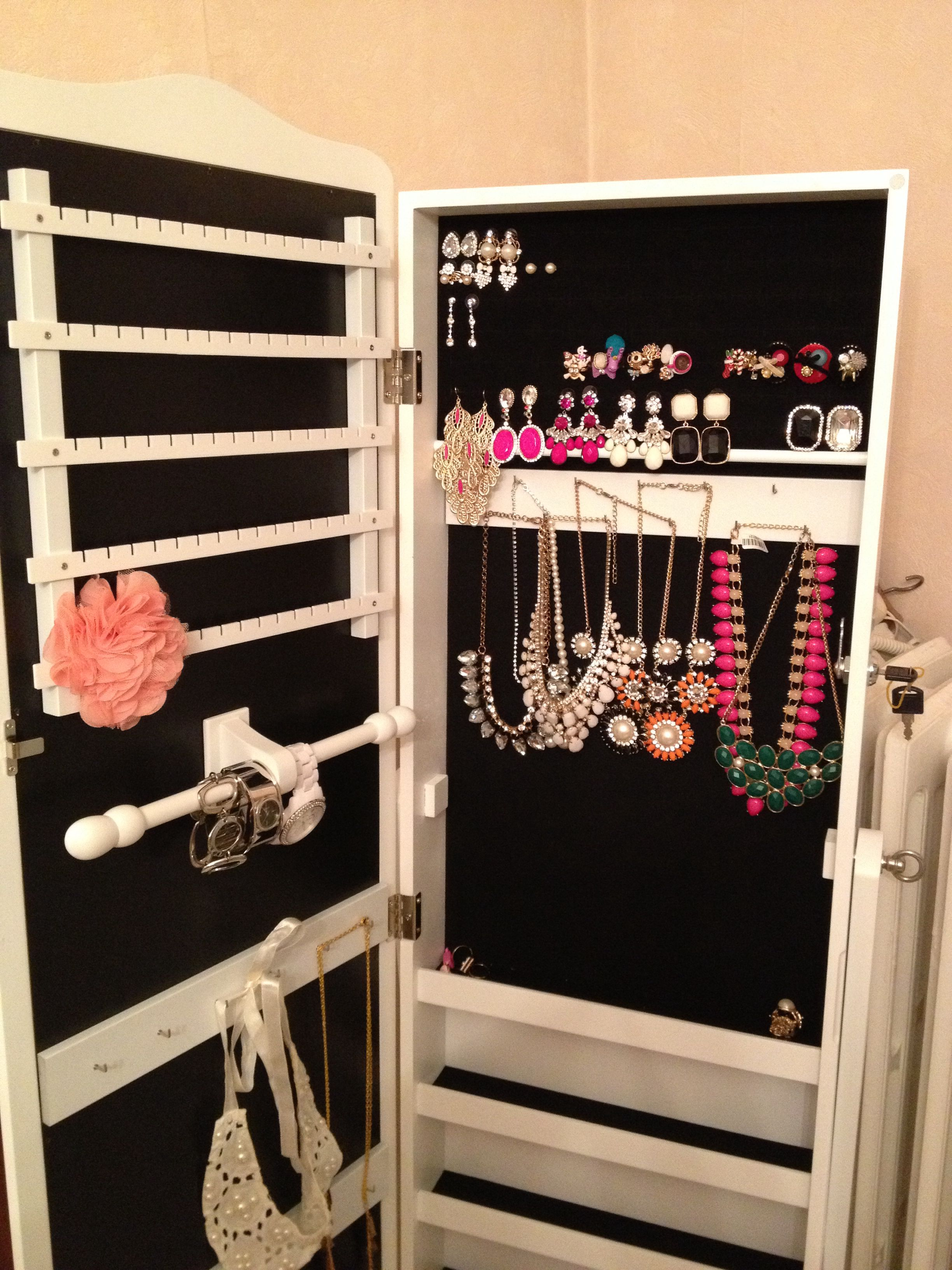 ❤️Keep going to fill full on mon armoire à bijoux❤️ J'adore mon amour❤️