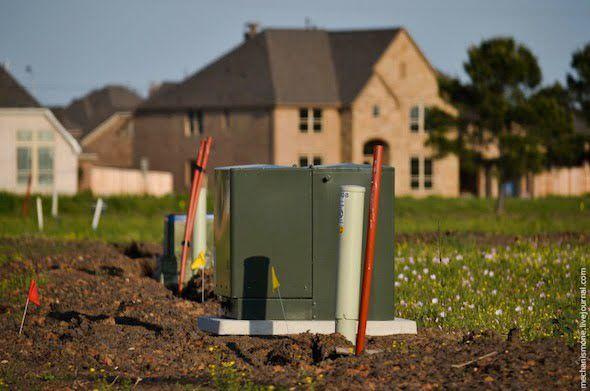 بالصور مراحل بناء المنازل في أمريكا في مدينة هيوستن في ولاية تيكساس الأمريكية قامت أحد الشركات الإستثمارية ببناء مشروع سكن Outdoor Decor Bird House Home Decor