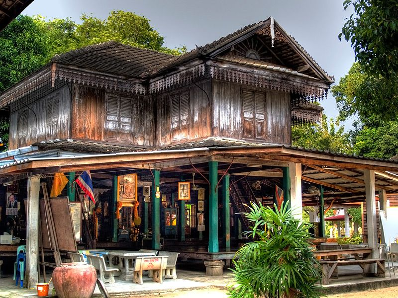 Old wooden house thai to koh samui koh samui surat for Thai classic house