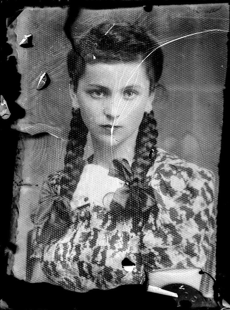 ACSINTE Costica - portrait - 1930 Roumanie - gélatine sur plaque de verre