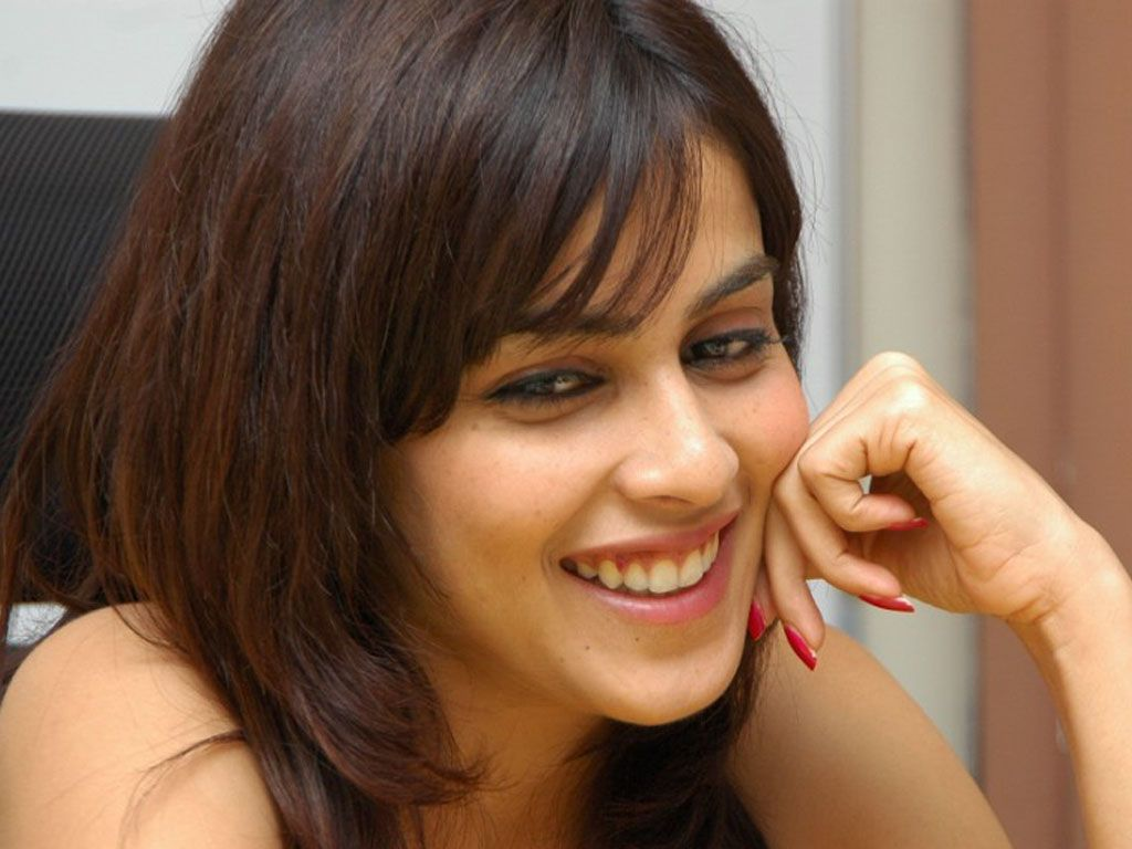 Genelia D Souza Wallpapers 30 Hd Pics: The Cute Genelia D'souza