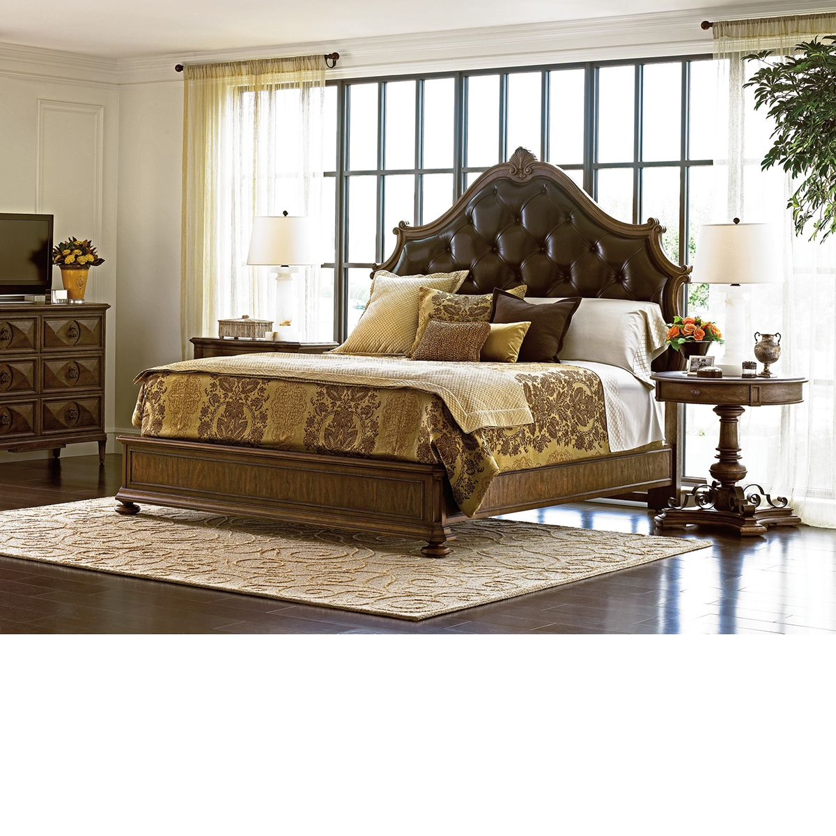 VILLA FIORA KING UPHOLSTERED BED