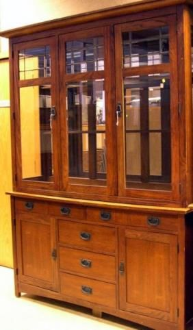 20985 Bassett Mission Style Oak And Leaded Glass Two P Lot 20985 Dining Room Furniture Leaded Glass Furniture