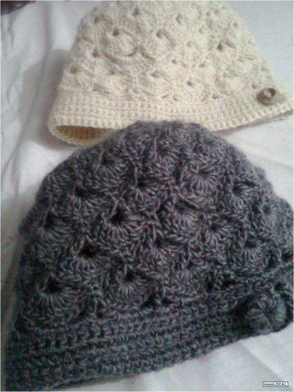 Bonnets femmes et leurs grilles gratuites   bonnet et snood ... 54ad0da3d86