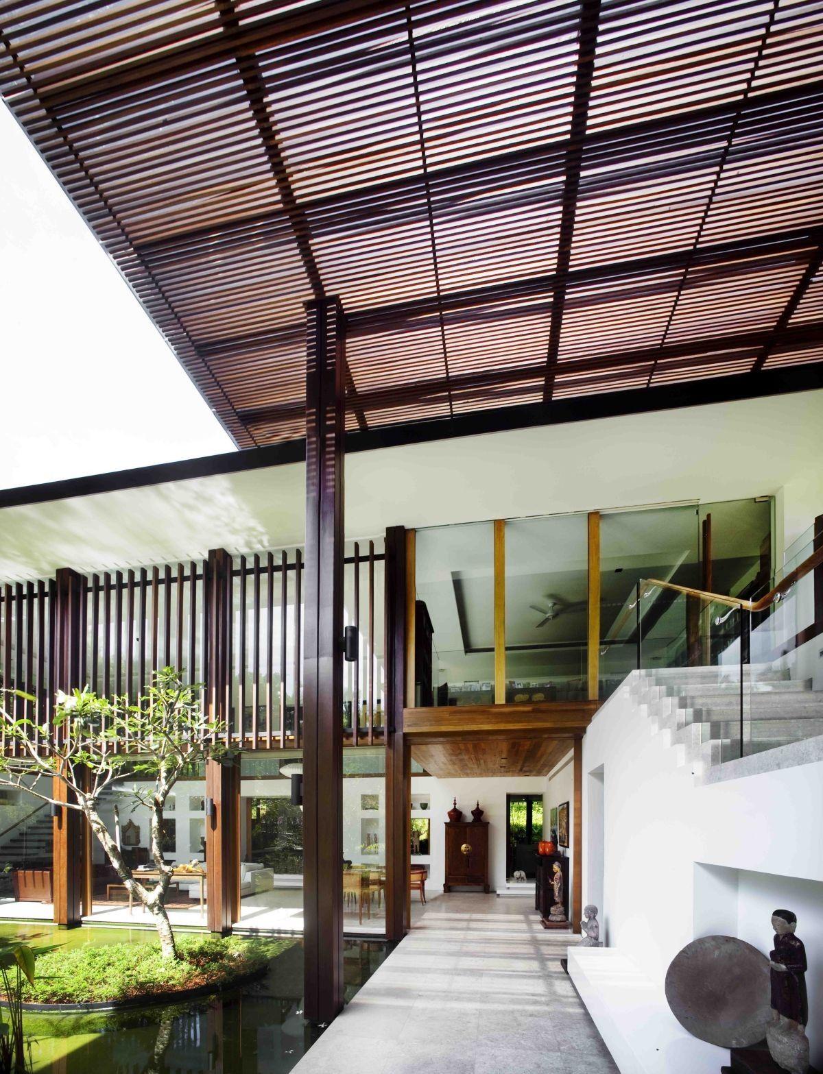 Das Sonnenhaus von Guz Architekten: A Hevean of Green in Singapur in ...