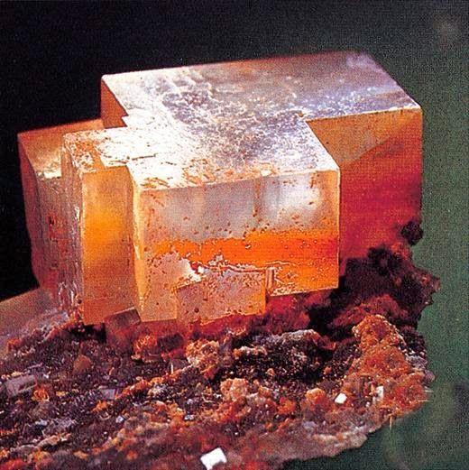 TUTTO COMINCIÒ CON IL PRECARIATO LAVORATIVO ( il resto mi è franato addosso): Le proprietà fisiche dei cristalli   Pietre e cris...