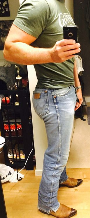Pin By Carl K On Wranglers On Men 1 In 2019 Boys Jeans