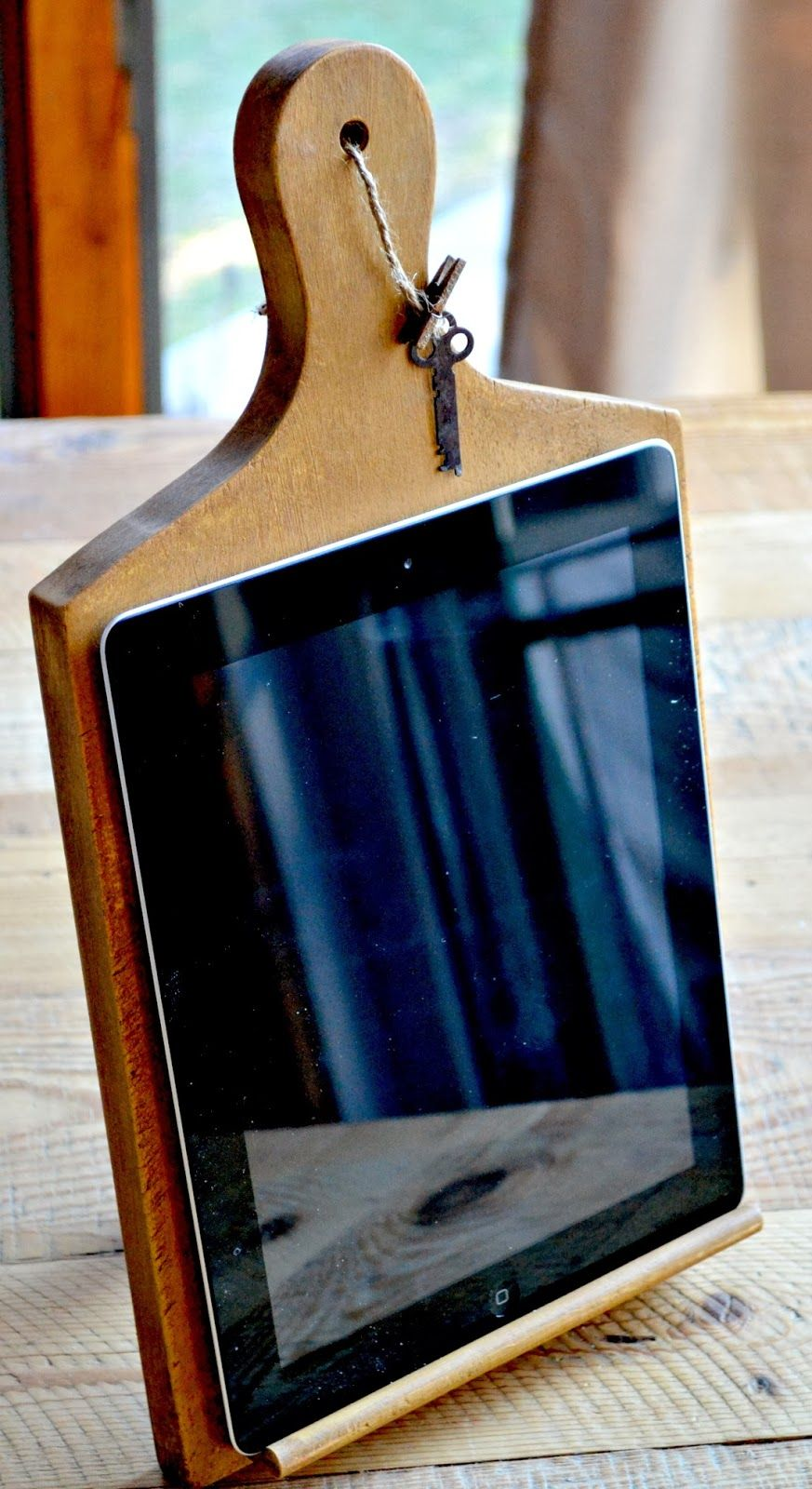 Ipad Stand With Vintage Trowel Stand