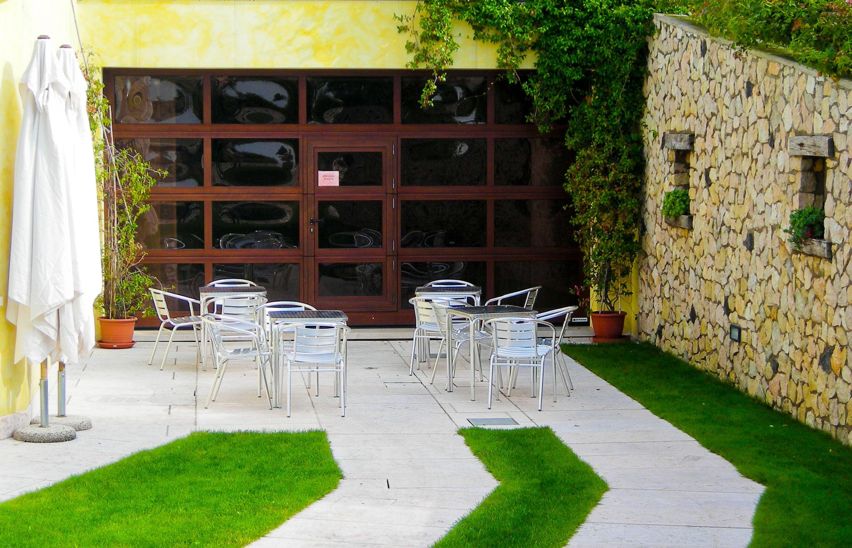 Glass overhead doors - All Glass Overhead Door Restaurant Setting Dutchess Overhead Doors Inc
