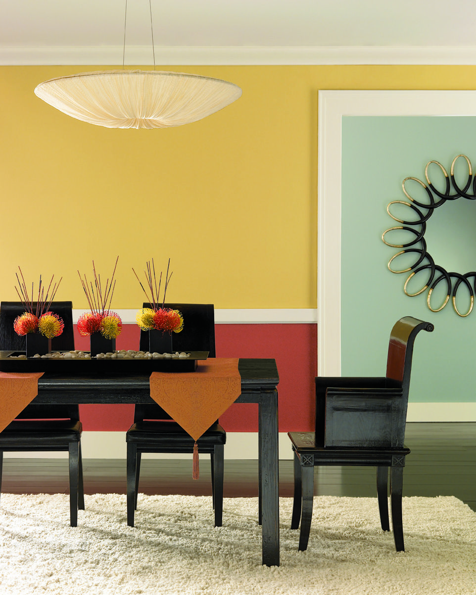 Painted Family Kitchen With Dining Nook: Kitchen/Breakfast Nook. Family Room.Benjamin Moore Citrine