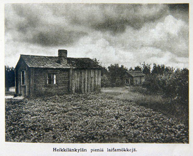 Paulaharju_Harman_aukeilta_Heikkilankylan_pienia_laitamokkeja.