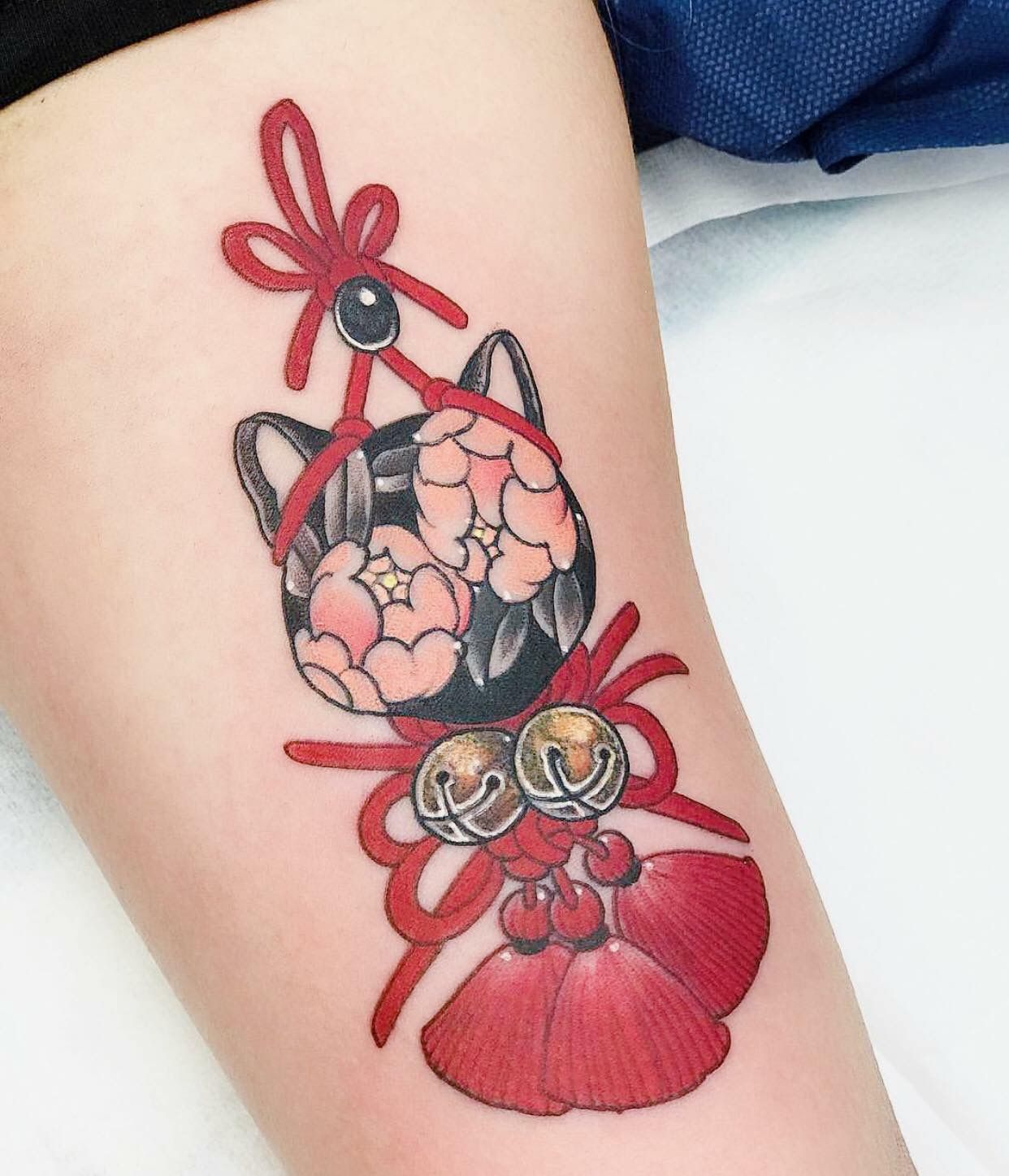 Kitten Hand Tattoos Sleeve Tattoos For Women Tattoo Designs