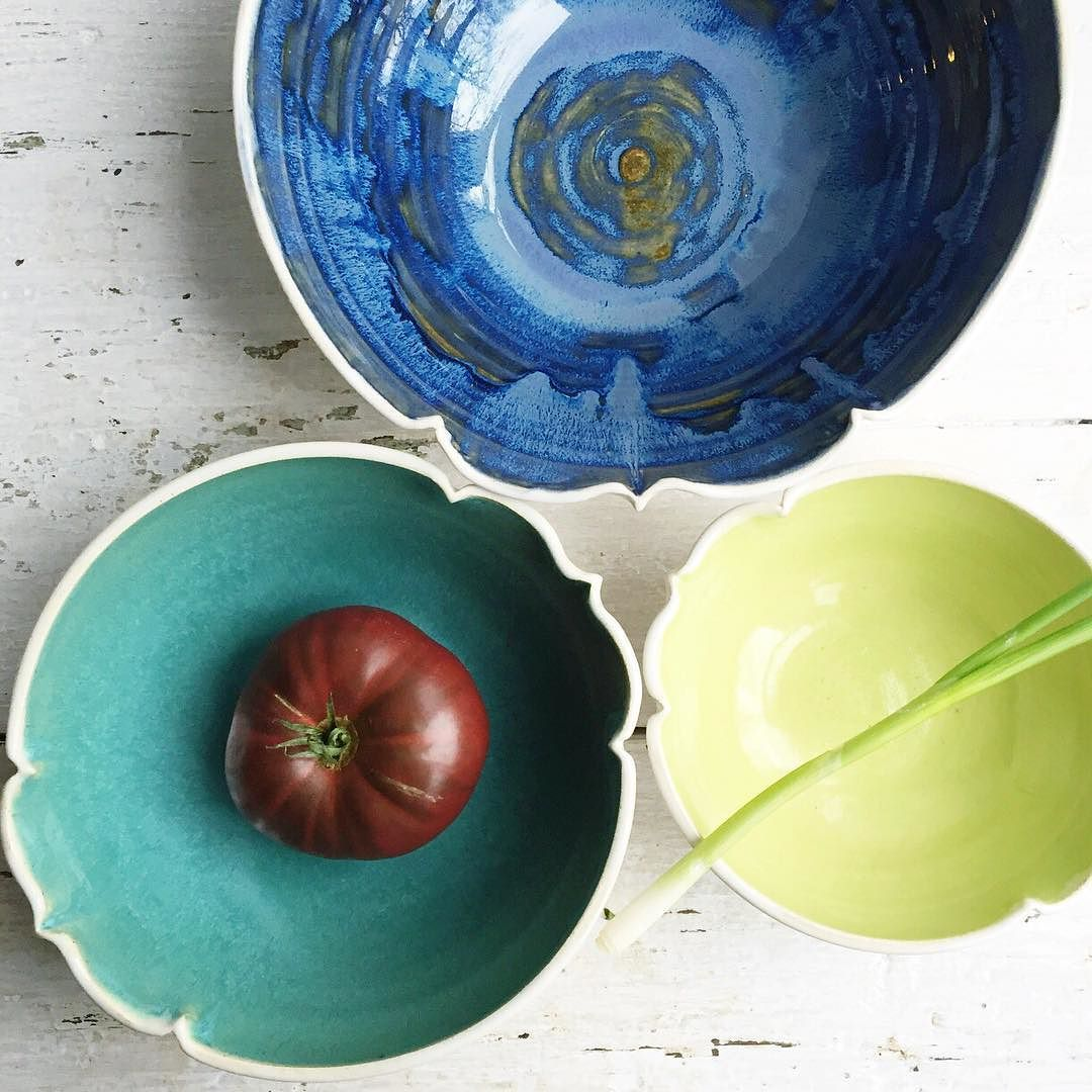 3 of a kind: Arabesque nesting bowls in Beach Cottage. by leewolfepottery