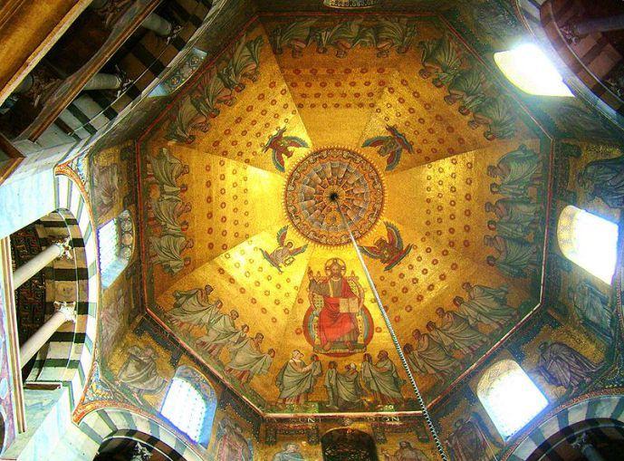 Decoración en la Bóveda Claustral de la Capilla Palatina de Aquisgrán
