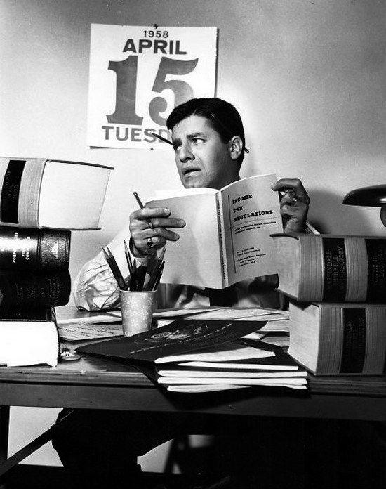 Jerry Lewis leyendo reading