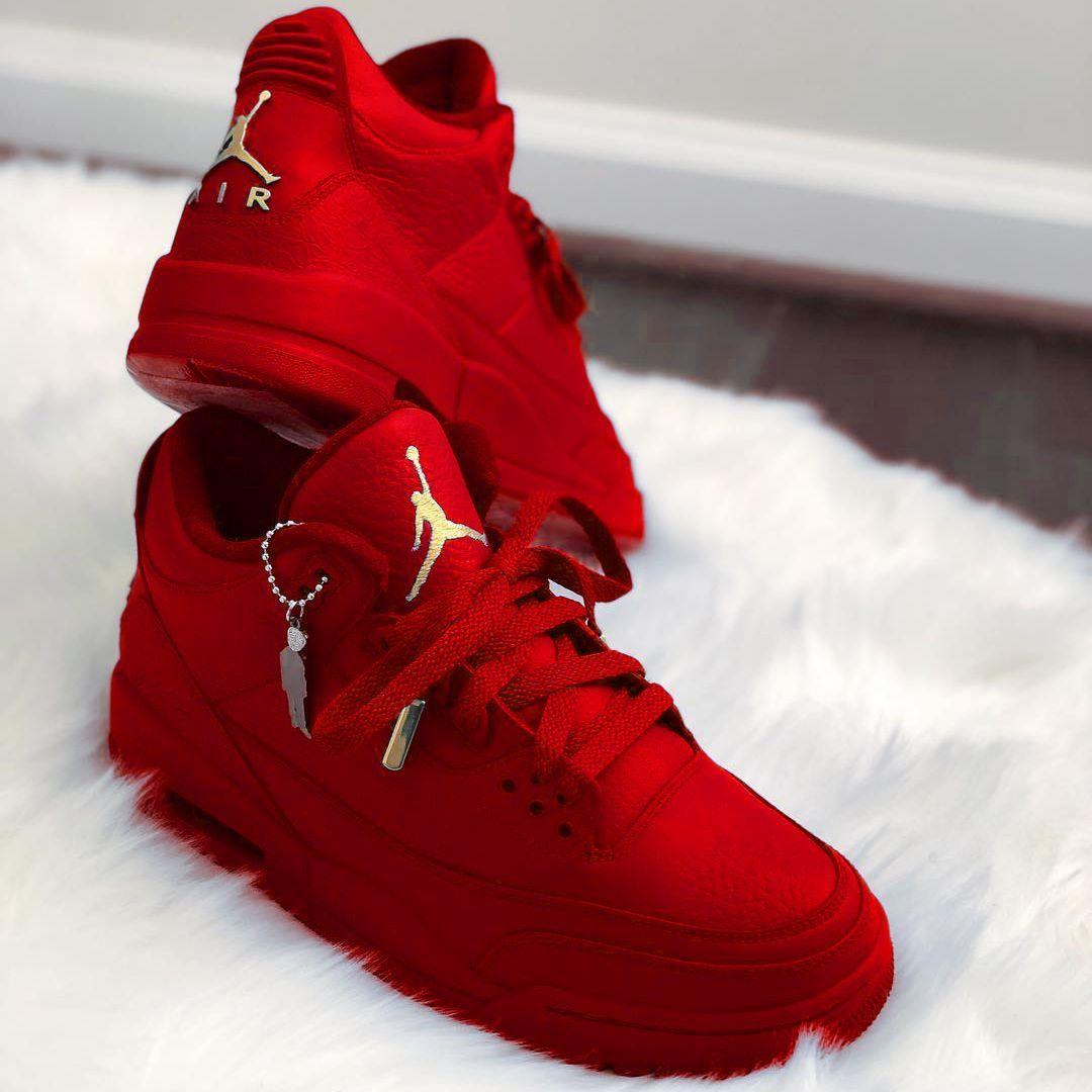 regard détaillé 33238 065fd All Red Air Jordan's | •Basket• | Chaussure, Chaussure ...